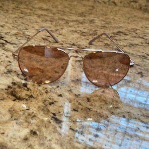 American Eagle ladies sunglasses